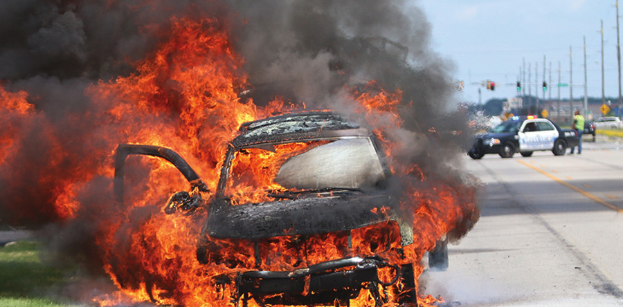 Fire Engulfs Suv And Boat Clear Lake Mirror Reporter