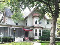 Clear Lake home continues as bed and breakfast under new ownership
